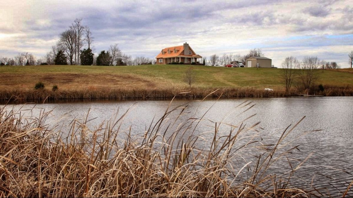 Homes with ponds for sale
