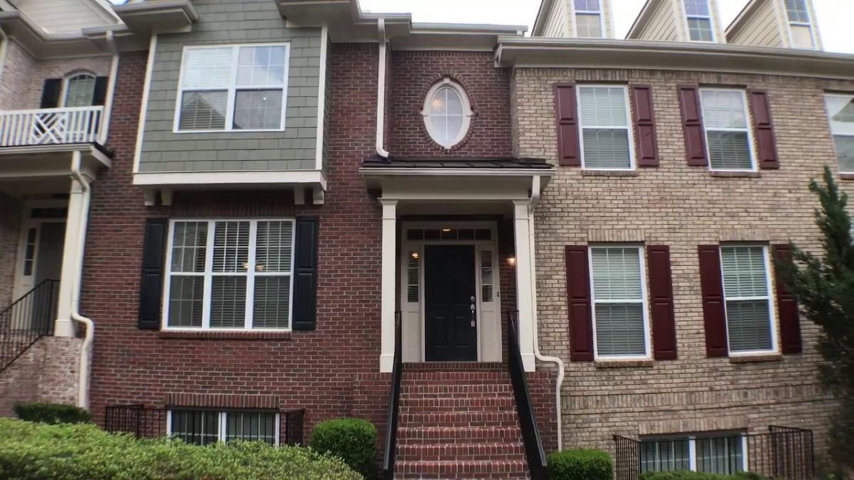 Townhomes for sale in Lawrenceville GA